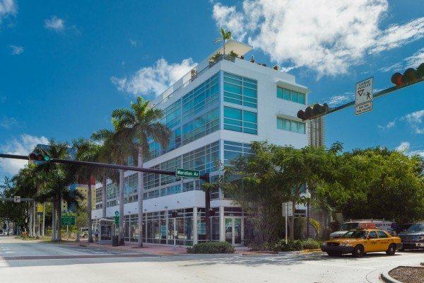 421-Meridian-Ave-Unit-4-Miami-large-001-18-Exterior-1429x1000-72dpi-600x400
