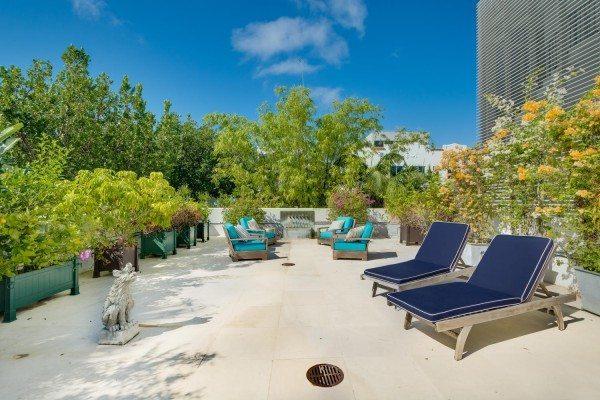 421-Meridian-Ave-Unit-4-Miami-large-005-2-Terrace-1500x1000-72dpi-600x400