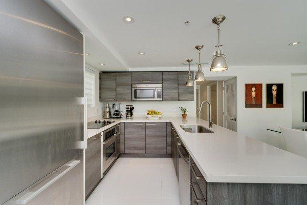 421-Meridian-Ave-Unit-4-Miami-large-013-4-Kitchen-1500x1000-72dpi-600x400