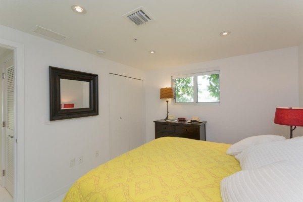 421-Meridian-Ave-Unit-4-Miami-large-015-14-Bedroom-1500x1000-72dpi-600x400