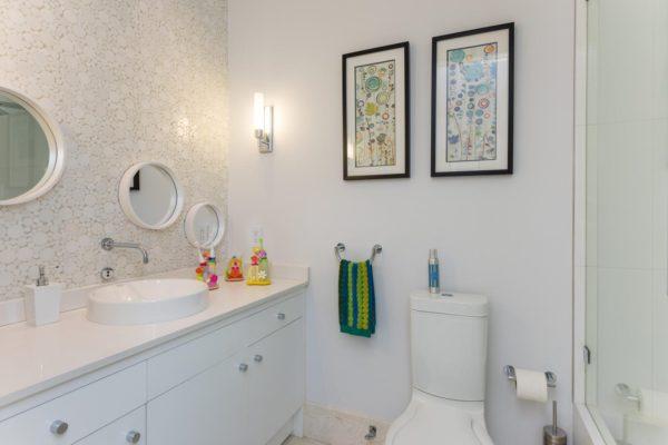 810 Jeronimo Dr Coral Gables-large-029-31-Bathroom-1499x1000-72dpi