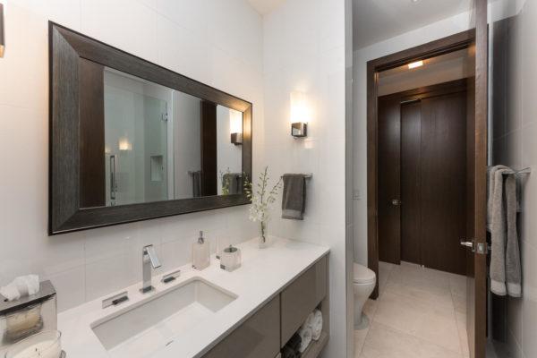 810 Jeronimo Dr Coral Gables-large-030-28-Bathroom-1498x1000-72dpi