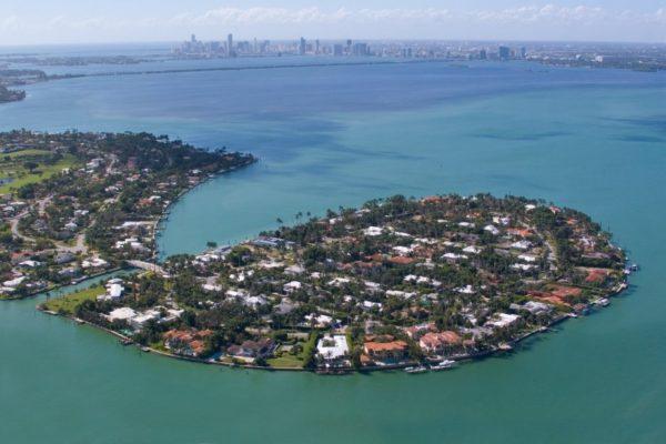 Miami Beach Gated Community: La Gorce