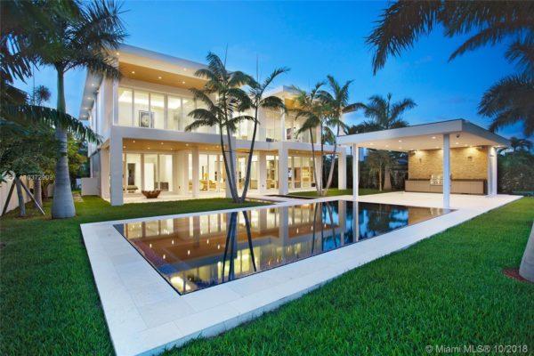 Coral Gables Homes vs Miami Beach HomesCoral Gables Homes vs Miami Beach Homes